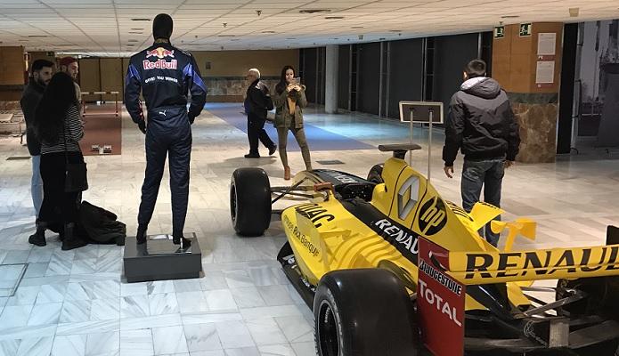 Gran xito en la jornada de puertas abiertas del museo del - Portes en granada ...