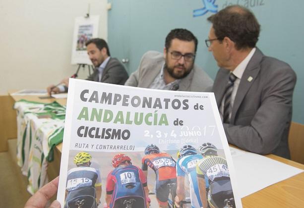 PRESENTADOS EN CÁDIZ LOS CTO. ANDALUCÍA DE CLICLISMO EN RUTA Y CRI.