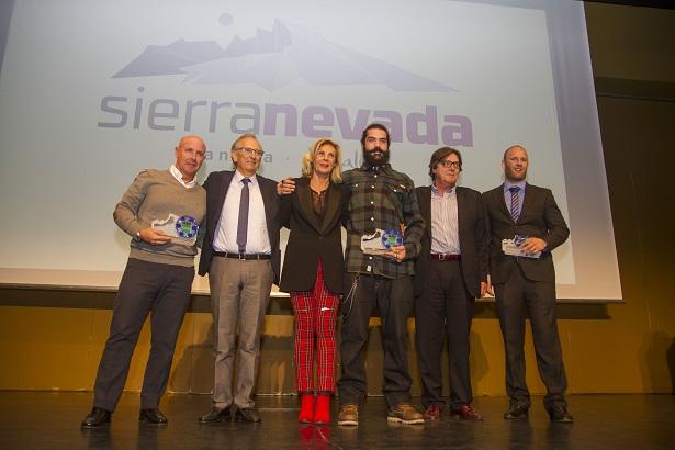 SIERRA NEVADA PREMIA A REGINO HERNÁNDEZ, PLATA EN SN2017, EN LA III GALA DEL DEPORTE BLANCO.