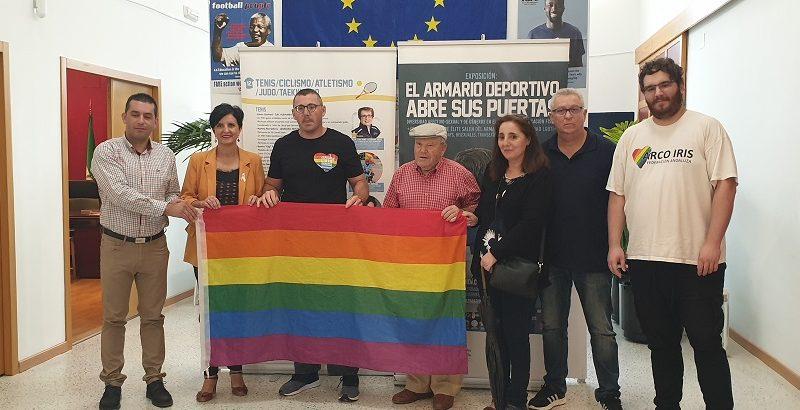INAUGURADA UNA EXPOSICIÓN LGTBI+ EN EL DEPORTE EN PURULLENA.